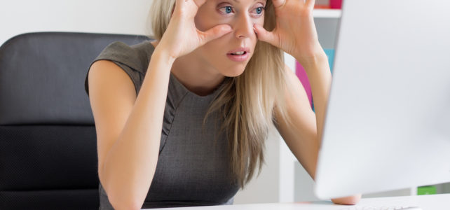 8 TIPS TO SAVE YOUR EYES FROM WORK STRAIN